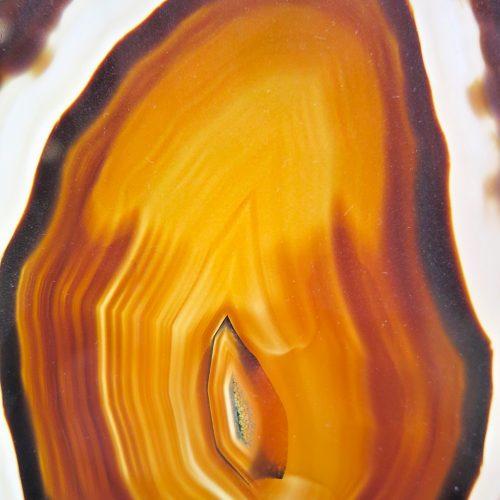 Agate du Brésil marron ovale focus DZ galerie art Nice