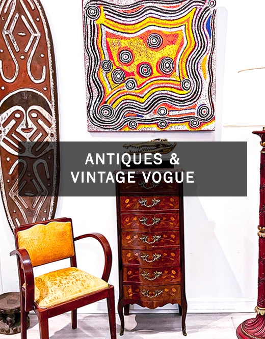 Antique and vintage vogue DZ art gallery in Nice