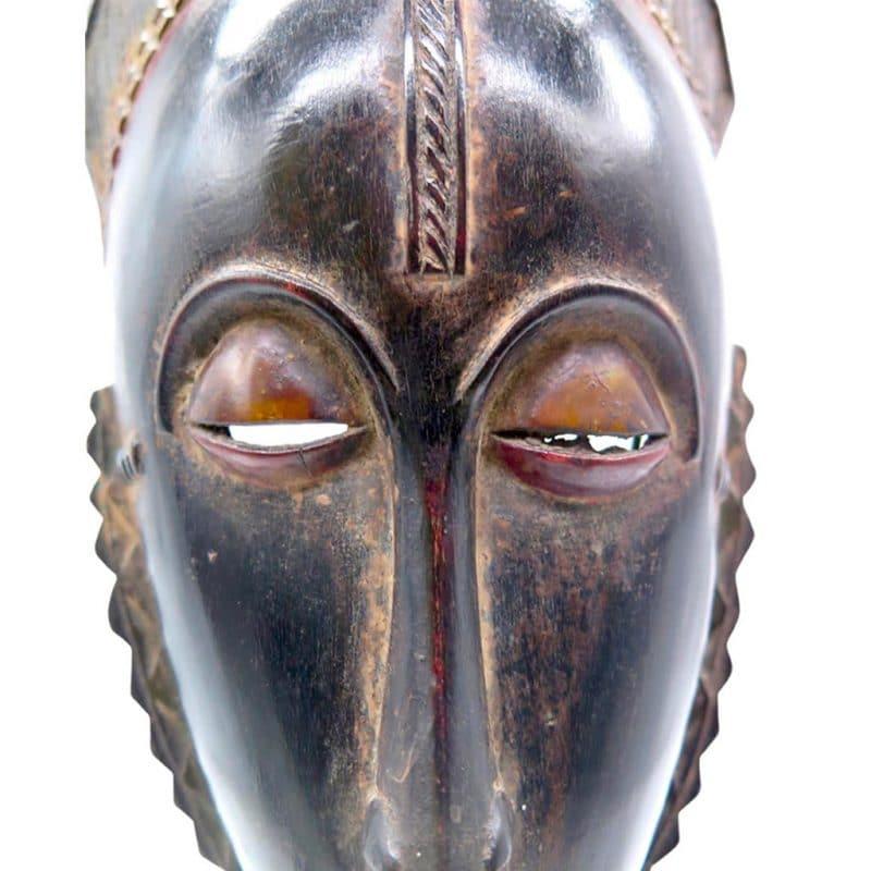 Masque de réjouissance Baoulé sombre DZ Galerie d'art à Nice focus
